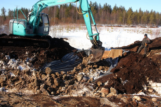 Lampsisuo wetland Kajaani Finland, northern site, constructing open flow straight drops 5, photo Juha Siekkinen 4.4.2013