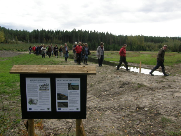 The demonstrative wetland sites are also used for educational purposes. The regional agricultural authorities of Southwest Finland in co-operation with an education project organized an event 'support for environment projects of local associations from agricultural environmental subsidies'. The project coordinator was invited to have a presentation about wetlands at the event and the people from the many associations joining the event also visited the Härmälä wetland site in mid September 2011. The good example site will promote interest toward wetland habitat work in surrounding areas. Note the water level 40 cm below optimal level during the first 10 months. Picture: Mikko Alhainen