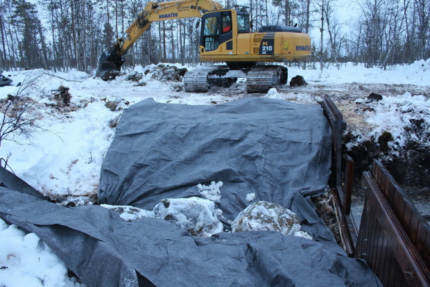 Aapajärvi wetland restoration, constructing of the sheet pile weir with stoplogs7, photo Juha Siekkinen 26.2.2015