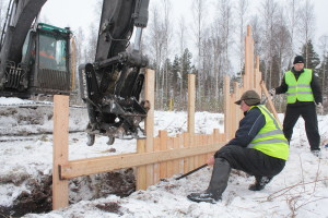 Pikku Nuoluanjärvi wetland, constructing rocky spillway with timber headwall with stoplogs2, photo Juha Siekkinen 13.2.2013